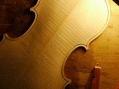 mortaise sur le fond - Thomas Billoux Luthier